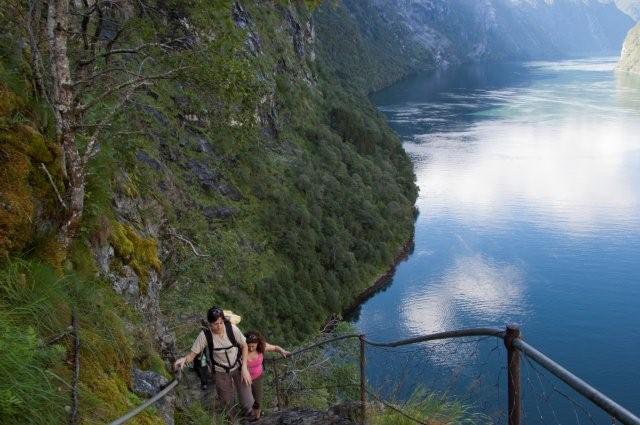 Noruega fiordosJosantrek senderismo (26)